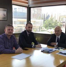 Përfaqësues të Organizatës 'Human Care', realizuan takim me Kryetarin e Komunës së Gjakovës Ardian Gjini.