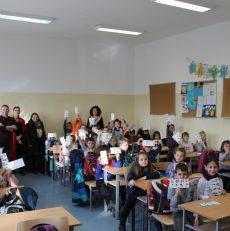 Fëmijët e Fushë-Kosovës me këshilla për shëndetin oral dhe trupor