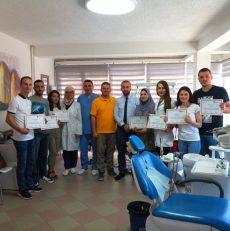 Certifikohen 20 kandidatë në fushën e teknikës dhe asistimit të stomatologjisë